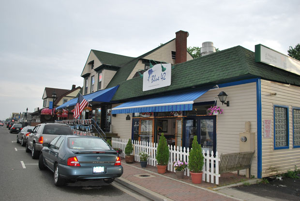 Blue 42 in freeport east of nyc long island for American cuisine long island