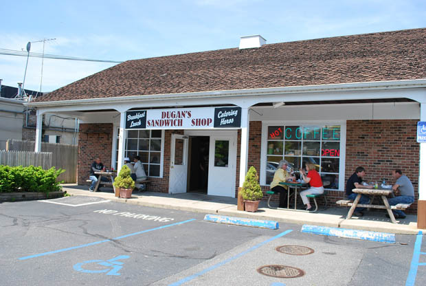 Dugan's Sandwich Shop in Woodbury