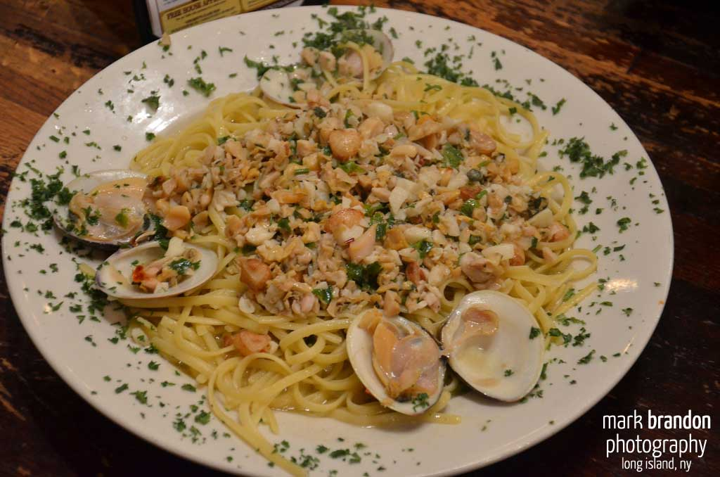 Vincents Linguini with White Clam Sauce
